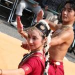 息の合ったインド舞踊。